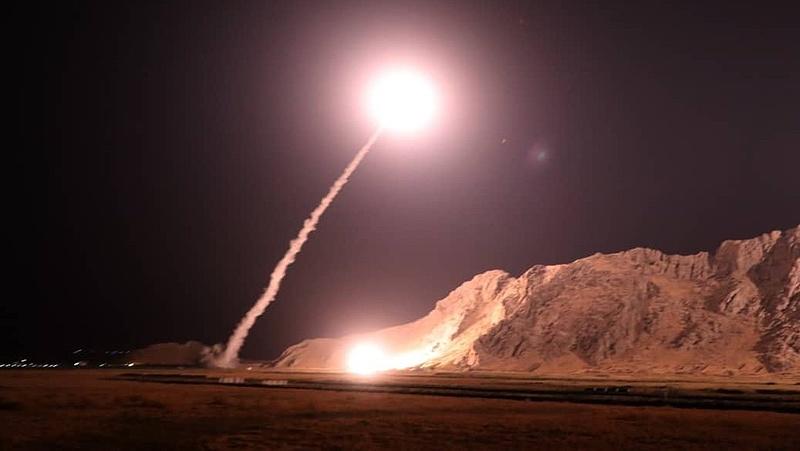 Irán rakétacsapást intézett két amerikai bázis ellen