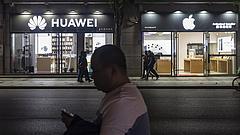 A túlélésért küzd a Huawei a vezetői szerint
