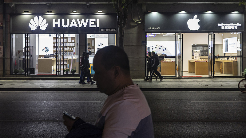 A mobilok buktatják le a kínai borulást