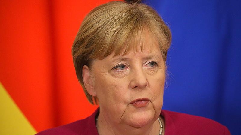 Merkel tudja: nem okos dolog falhoz állítani az oroszokat