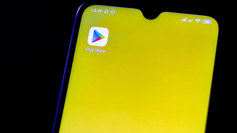 Tízezrekkel lophatja meg az okostelefonja, ezeket az appokat törölni se tudja