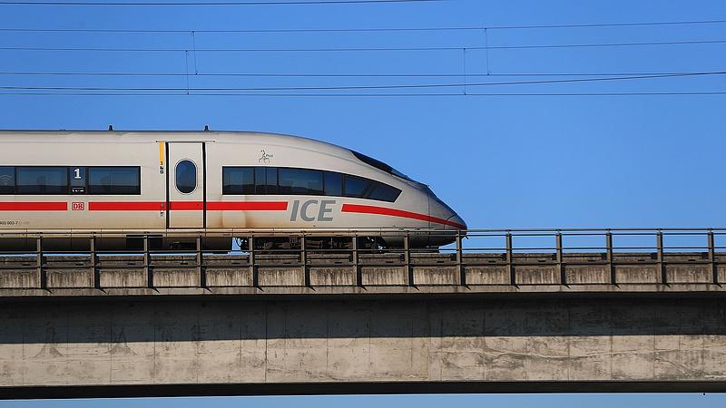 Először kapcsolja saját hálózatra vasúttársaság a Napot