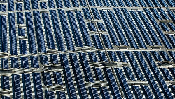 Napenergiacég debütál a Budapesti Értéktőzsdén