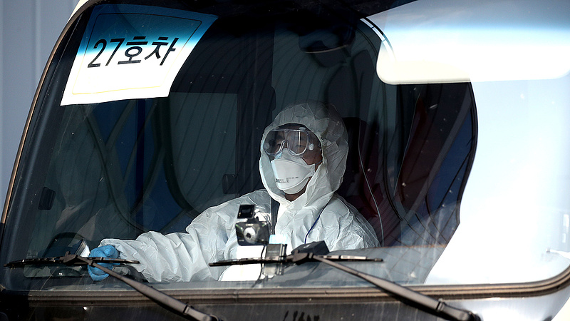 A koronavírus járványa csak felszínre hoz egy gazdasági válságot