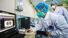 Nem igaz a kínai koronavírus-adat, az igazság durvább