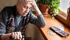 Nyugdíjasok egymással szemben - nő a szakadék