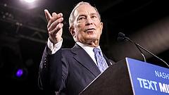 Dübörög a villámháború: Bloomberg már második