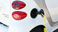 E-autózás: bajba kerülhetnek a beszállítók