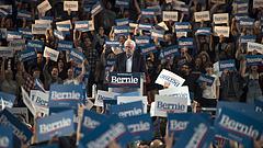 Elnökjelölt-aspiránok: össztűz alatt Sanders