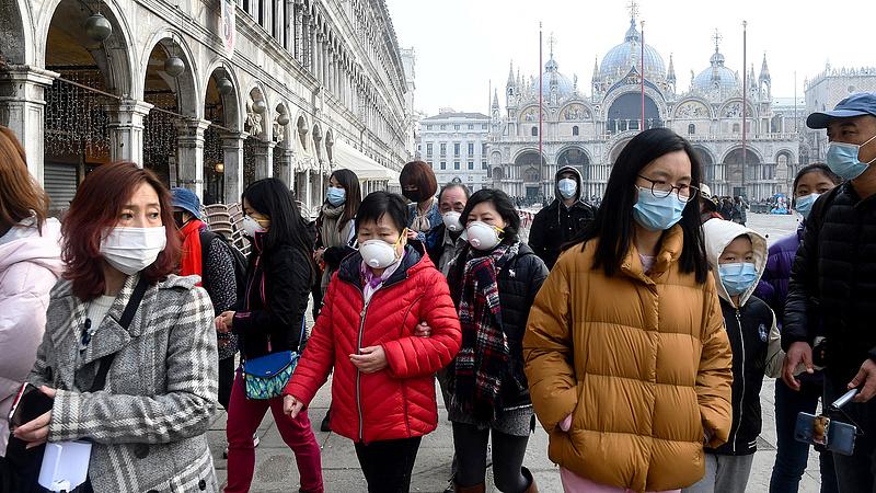 Romokba dönti a turizmust a koronavírus
