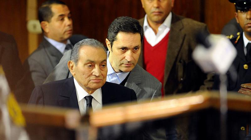 Meghalt Hoszni Mubarak