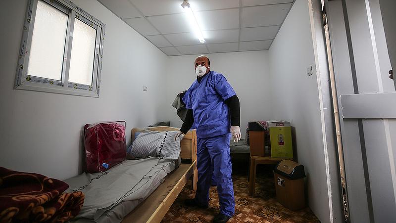 Drámai koronavírus-regulát vezetnek be a lengyelek