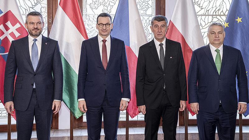 Orbán Viktor a koronavírusról Prágában egyeztet