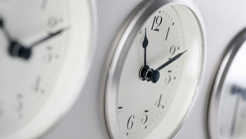 Mi lesz az óraátállítással? - válaszolt az innovációs tárca