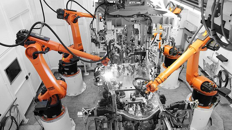 Elemi változás jön a munkahelyeken - áttörés küszöbén a robotika