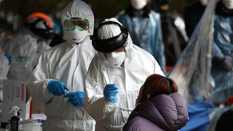 Szlovákiában erős szigorításokat vezetnek be a koronavírus miatt