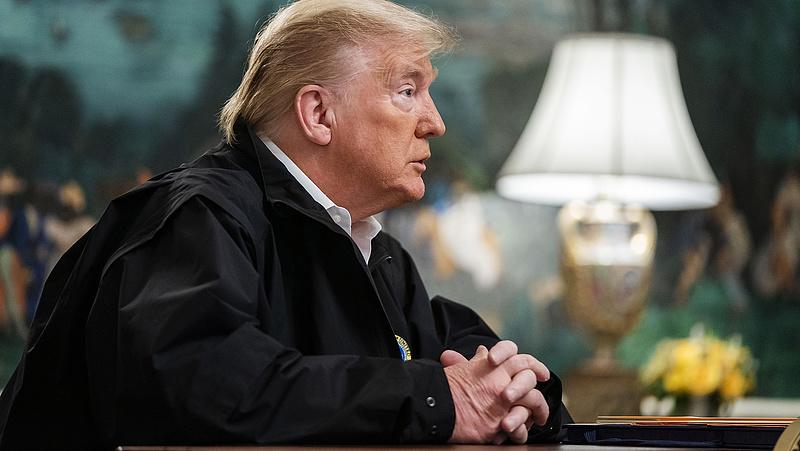 Trump elkapta a ritmust és odavágott a vírusnak