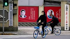 Koronavírus: a kínai elnök szörnyeteg szájába dugta a fejét