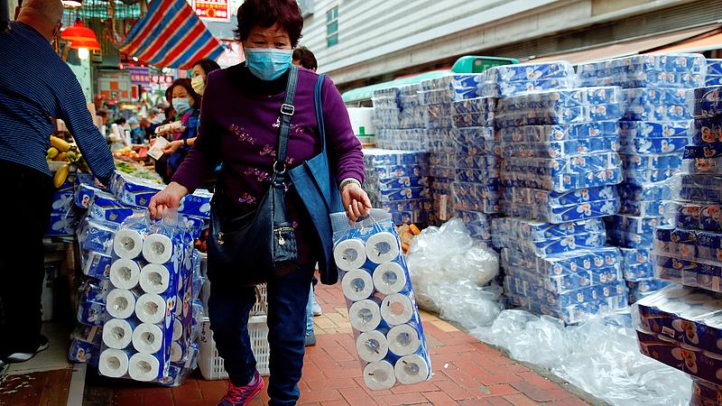 Miért fogy el a  toalettpapír a boltokból? Megvan a válasz! - plusz körkép a magyar Sparból, Tescóból
