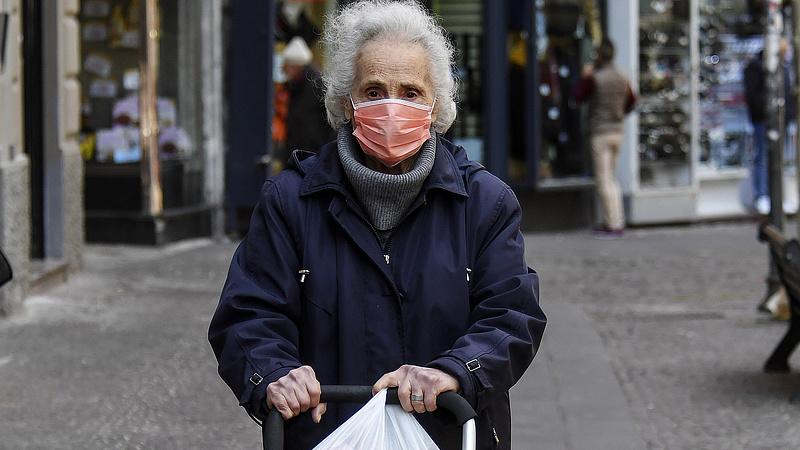 Koronavírus: egyre jobban aggódnak a nyugdíjasok
