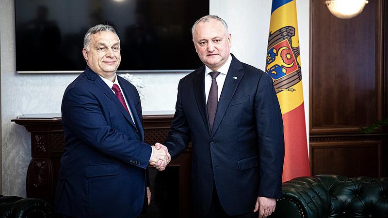 Milyen protokollt követ Orbán Viktor járvány idején?