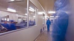 Koronavírus: egy 40-es súlyos beteget is kórházban ápolnak Magyarországon