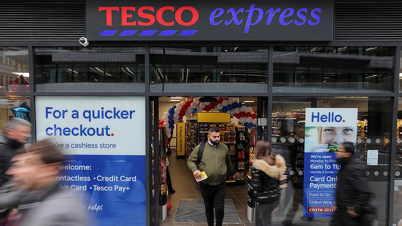 Kormányzati célkeresztbe került a Tesco anyacége a brit fizetései miatt