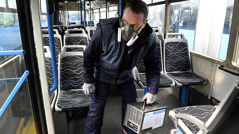 Nem kell maszkot viselniük a buszsofőröknek mától