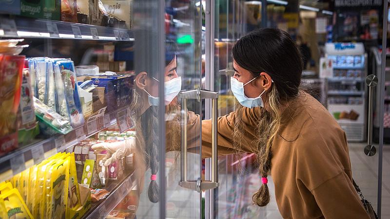 Koronavírus: sok boltot bezárnak a maszkok miatt?