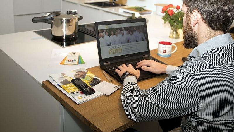 Négyből három munkavállaló maradna a home office-ban