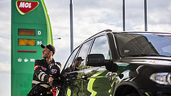 Szintet lép a magyar benzinár