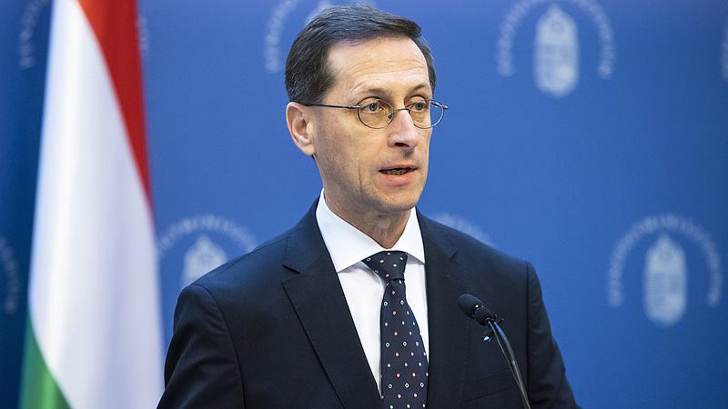 Varga Mihály újabb döntéseket jelentett be