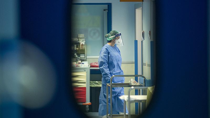 Koronavírus: Moszkvában ideiglenes kórházakat építenek
