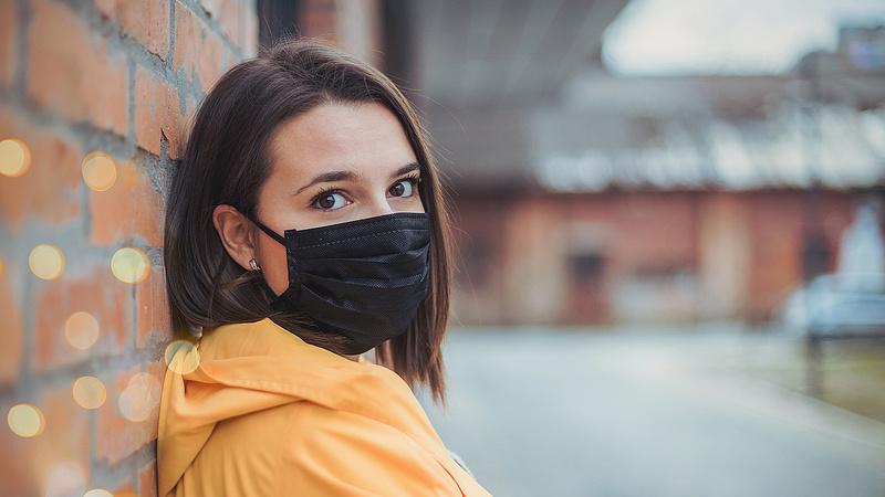 Szigor a BKK-járatokon: leszállíthatják a maszkot nem viselő utasokat