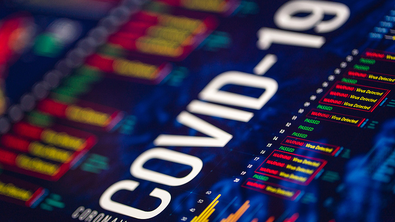 Koronavírus: szomorú mérföldkőhöz érkezett Amerika