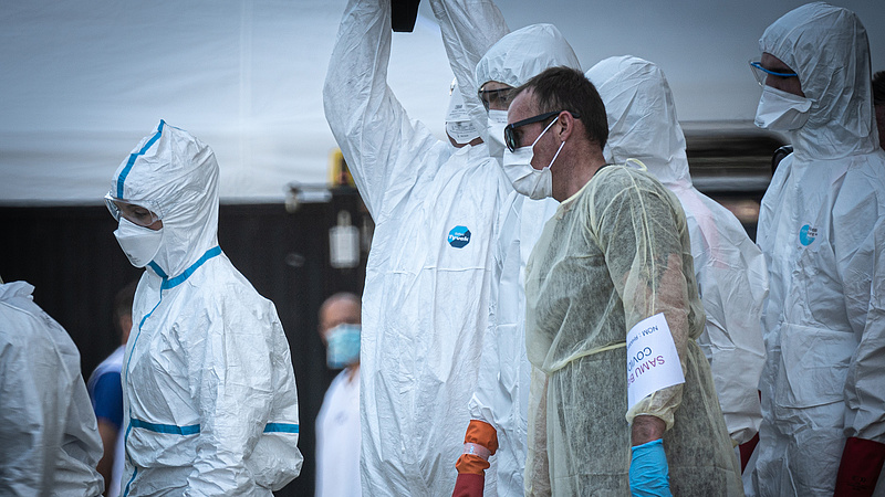 Koronavírus: Franciországban tetőzik a járvány