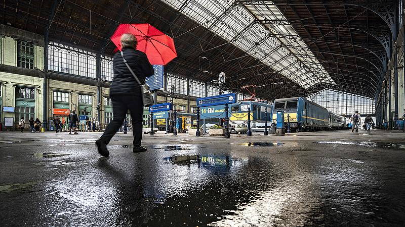 Lerobbant a vonat Székesfehérvár felé - nagy késések vannak