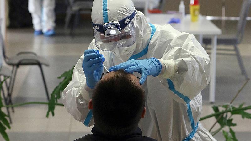 Koronavírus: megérkeztek a friss számok