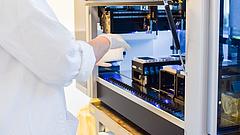 Koronavírus: sorra álltak le a magáncégek a teszteléssel, de van terv a laboroknál