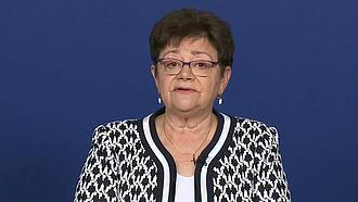 Müller Cecília: a regisztrált 65 év felettiek több mint 90 százalékát már beoltották