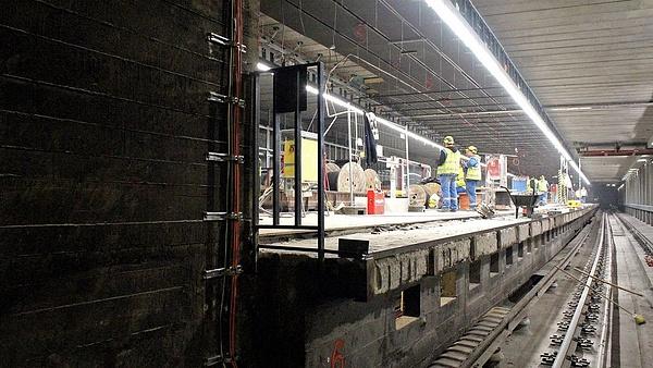 Csak 2023 márciusára fejeződhet be a hármas metró felújítása