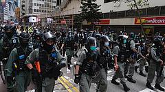 Újra könnygázt vetettek be Hongkongban
