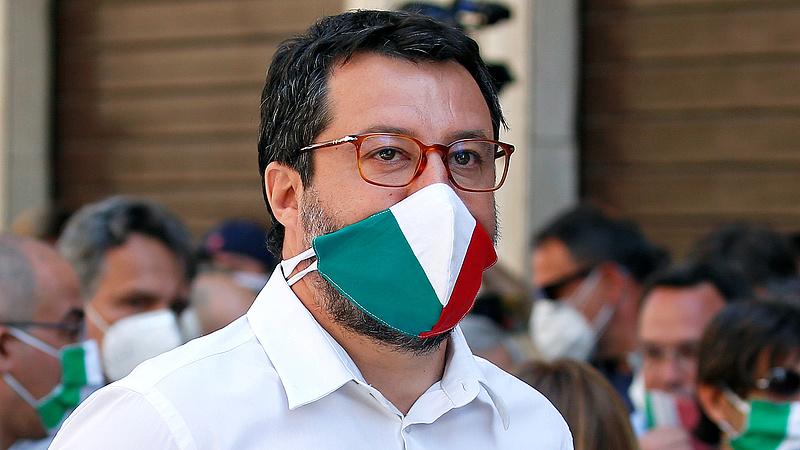 Olaszország: eltörölték a Salvini-féle migrációs törvényeket