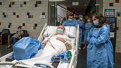 A fertőzött, de tünetmentes belga orvosokat arra kérték, hogy folytassák munkájukat