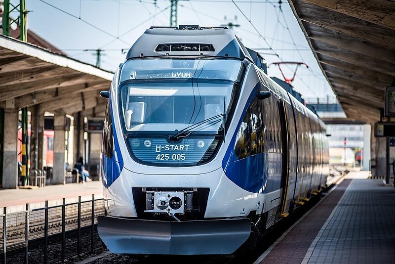 Majdnem 145 milliárd forintos kerettel indul az ingyenes vonatbérlet program az EU-ban
