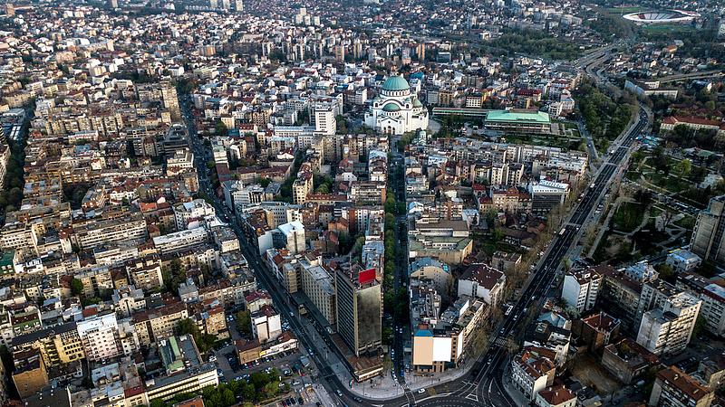 Szerbia újra szigorít a járvány miatt