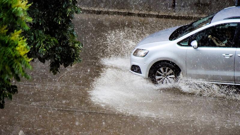 Korlátozások a fővárosban a heves vihar miatt