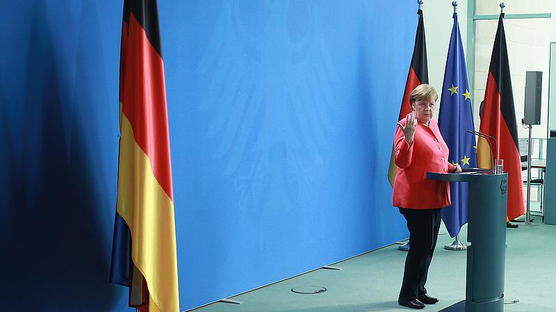 Merkel még komoly veszélynek tartja a koronavírust