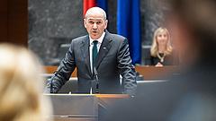 A szlovén kormányfő Orbánék mellé állt