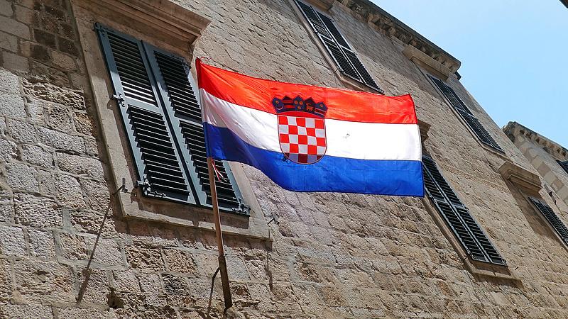 Horvátországban átlépte az ezret a koronavírus áldozatainak száma